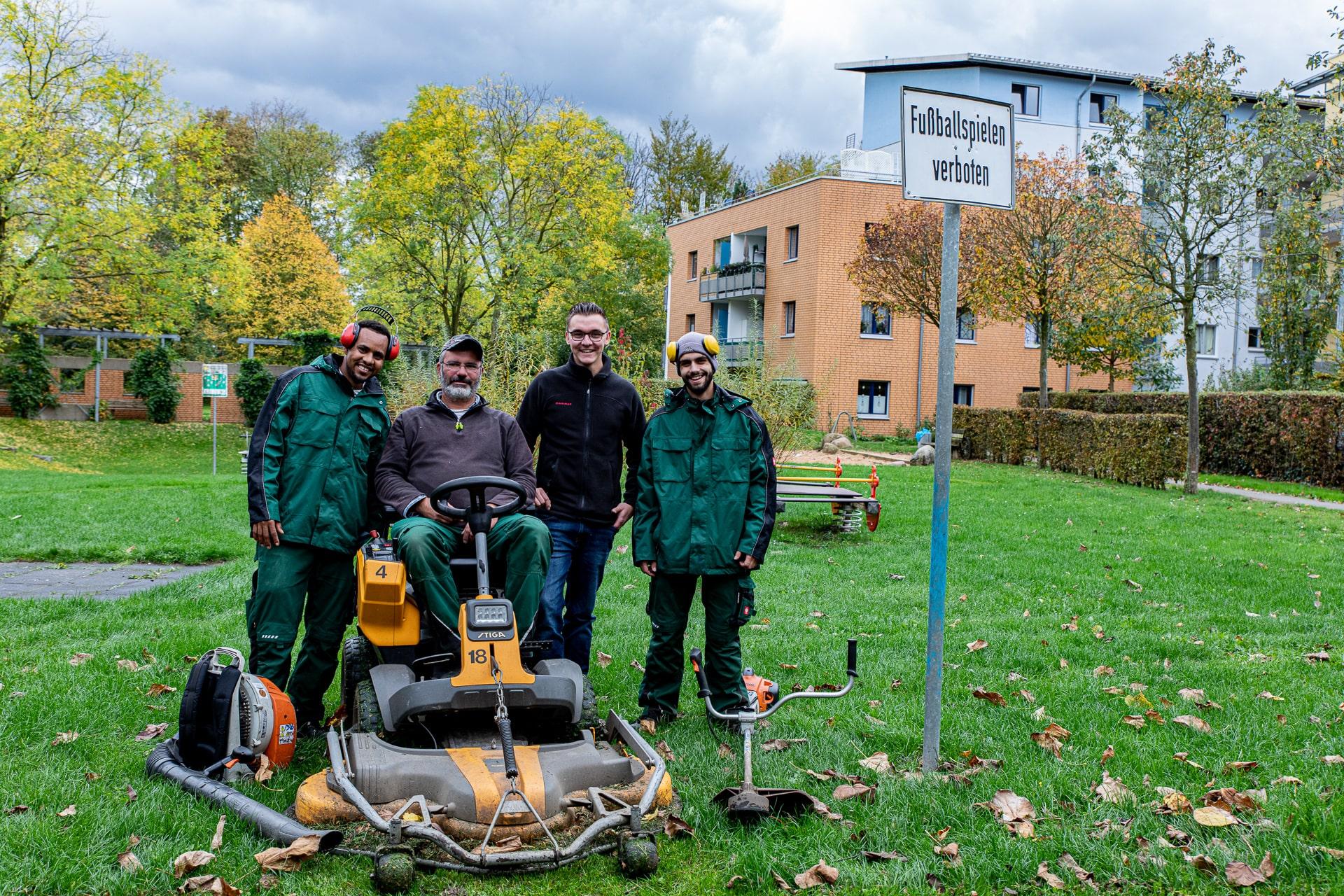 Lorenz Landschaftsbau Freiflächenpflege Team